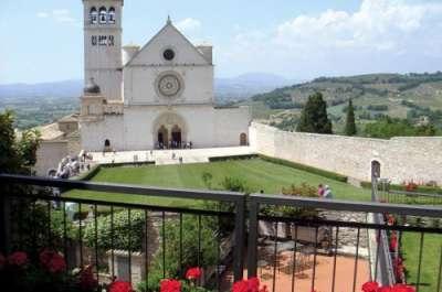 Базиликата - тишина, цвет, ароматы южной Италии